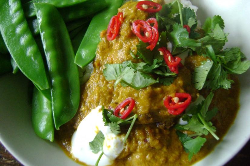 Koftes met currysaus