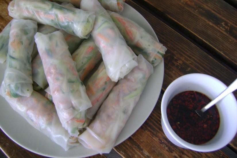 Gezonde rijstvelrolletjes met nuoc cham saus