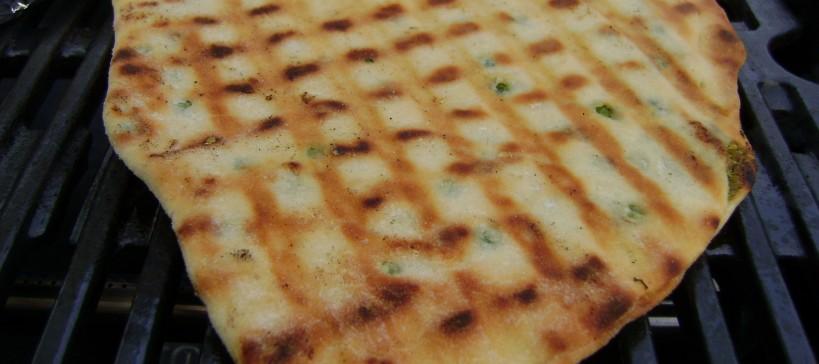 Platbrood met doperwt-munt vulling, tekstfoto