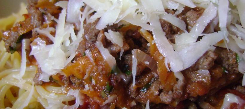 Spaghetti bolognese, tekstfoto