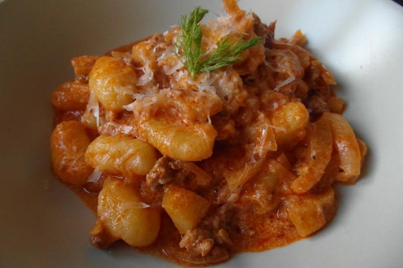 Gnocchi met Italiaanse worst en venkel saus, hoofd