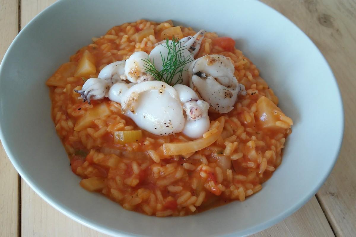 Venkel tomaat risotto met gebakken sepia, hoofd