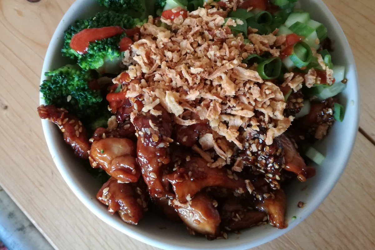 Sticky chicken bowl, hoofd